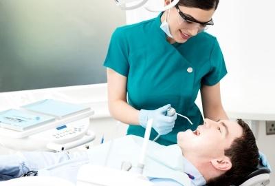 Czym zajmuje się chirurgia stomatologiczna?