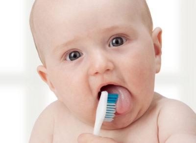 Jak przekonać malucha do mycia zębów?